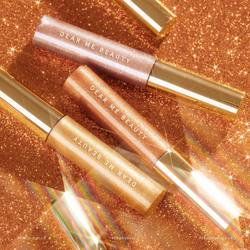 🌟SAVE THIS POST🌟 Three universally flattering shades that will take your look from day to night in a swipe 🤩⠀ ⠀ ✨ Happy Go Lucky⠀ Champagne gold color with yellow-beige undertone.⠀ ⠀ 🌸 Goal Digger⠀ Romantic rose gold color with mauve undertone.⠀ ⠀ ⚡️Zillionaire⠀ Light copper gold with warm honey undertone.⠀ ⠀ ⠀ Which shade is your fave? 💕⠀ ⠀ -⠀ ⠀ 🌟SIMPAN POST INI🌟 Tiga shades yang cocok di berbagai warna kulit untuk tampilan memukau yang tahan seharian hanya dengan sekali swipe 🤩⠀ ⠀ ✨ Happy Go Lucky⠀ Champagne gold dengan undertone kuning-beige.⠀ ⠀ 🌸 Goal Digger⠀ Rose gold dengan undertone mauve.⠀ ⠀ ⚡️Zillionaire⠀ Copper gold dengan undertone warm honey.⠀ ⠀ Shade favorit kalian yang mana nih? 💕⠀ .⠀ #DearMeBeauty #EyesEnchanted #BeautyIsUniversal #BeautyReinvented